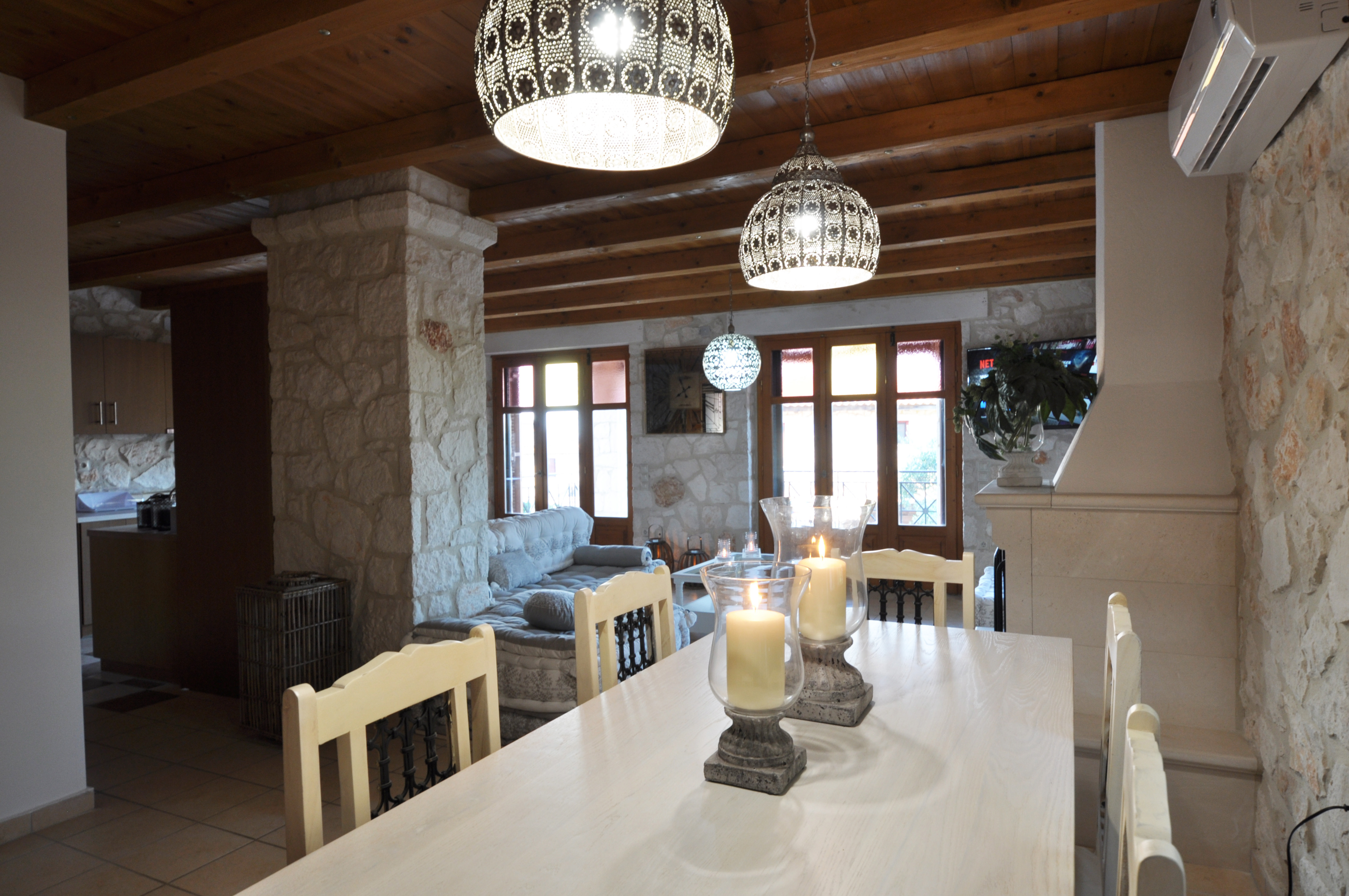 Villa Alexa of Jootiq Villas in Zakynthos(Zante) dining area